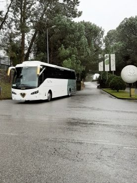 Foto do autocarro de 55+1 Lugares